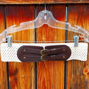🌼clearout🌼leather and cream buckled waist belt